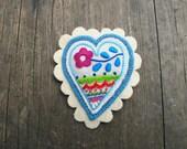 Handmade textile heart - embroidered heart - coração bordado - textile brooch