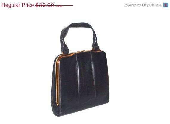 ON SALE Vintage Navy Blue Structured Leather Handbag  Kiss Clasp ...