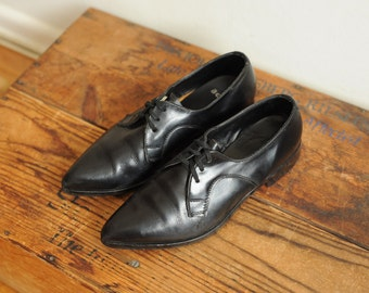 Vintage Black Leather Oxford Shoes with Pointy Toe, womens 6 - 6 1/2