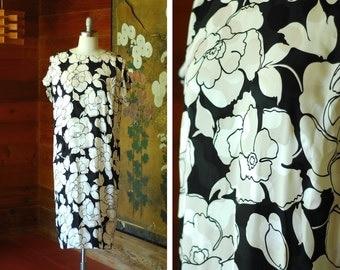 vintage silk dress / silk black and white floral print dress / size medium