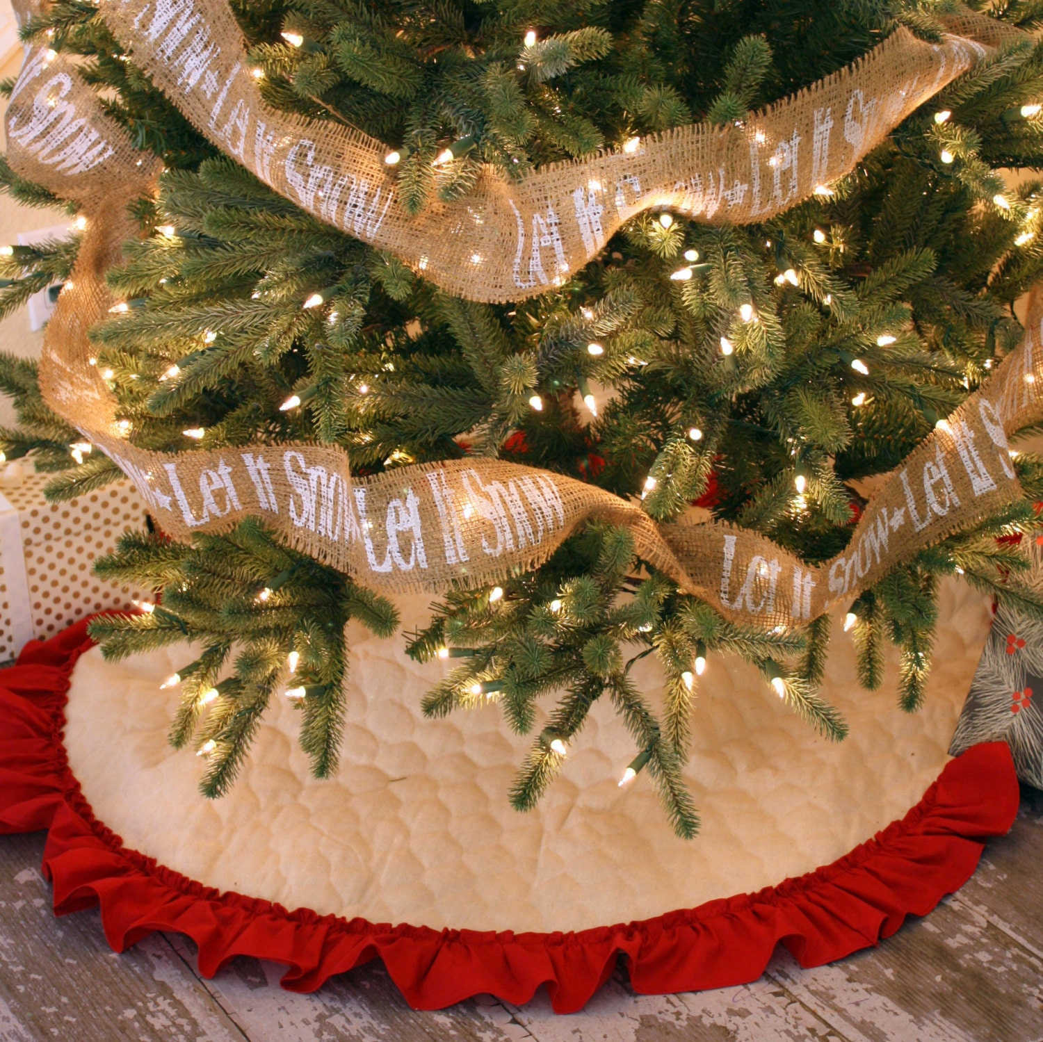 Quilted Christmas Tree Skirt with Hemmed Ruffle Fringe 42 : quilted christmas tree skirt kits - Adamdwight.com