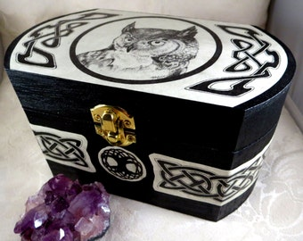 Wooden Celtic Owl Box, Magic Totem Wicca Herb Or Crystal Chest, Black  Rustic Nature