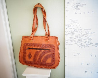 Vintage Saddle Tan HAND TOOLED Handbag Purse Bag Satchel Laces Western
