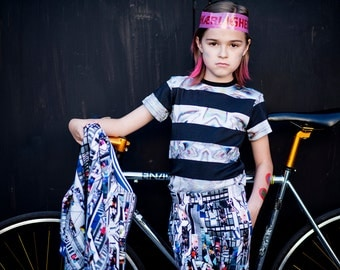 SUMMER SALE 70% ! T-shirt with printed glitch and black stripes, made from organic cotton