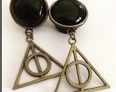 PICK SIZE Deathly Hallow Dangle Plugs