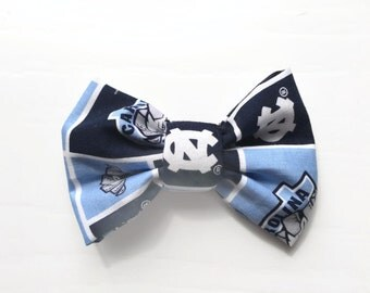 PET BOW: North Carolina, University of // Tarheels Inspired Pet Bow for Dogs or Cats // Gifts for Dogs // Dog Bow Tie // Pet Bow Tie