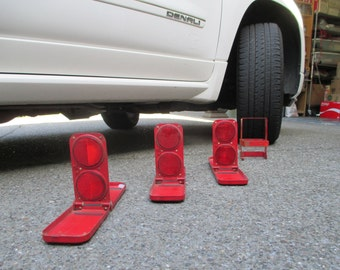 Vintage Arrow Emergency Roadside Reflectors