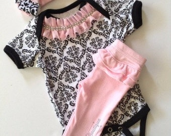 Newborn baby girl take me home Pants Set, Pink Damask Complete Outfit