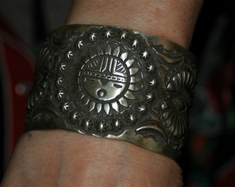 Huge Heavy Magnificent Sterling Hand Forged Navajo Elva Bill Hopi Sun Face Bracelet 112 Grams