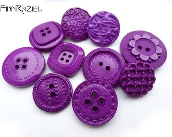 Button Mix 10 purple buttons 19-24 mm  (12)