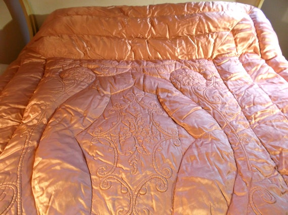 Antique Satin Goose Down Peach Quilt 1940 S Movie Twin