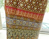woman's Thai sarong Traditional pattern brown and gold TT7