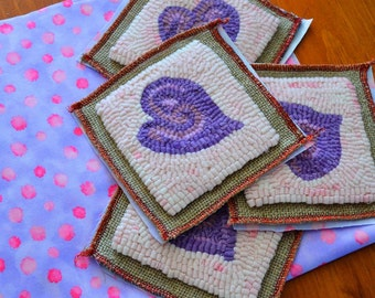 """4"""" x 4"""" Sachet Rug Hooking Kit - """"Groovy Lavender Heart"""" includes Buckwheat and Lavender Interior Pillow"""