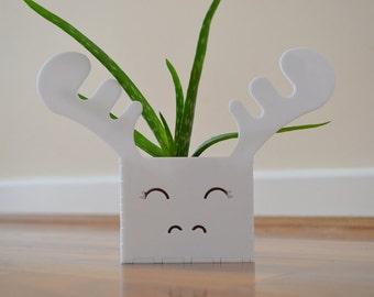 Moose succulent planter plant pot in white