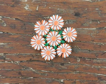 60's DAISY BROOCH - Classic / Mid Century / Kitschy / Orange and White / Flower Power
