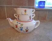 Adorable set Vintage Jubilee Japan Tea pot with sugar and creamer bowl.