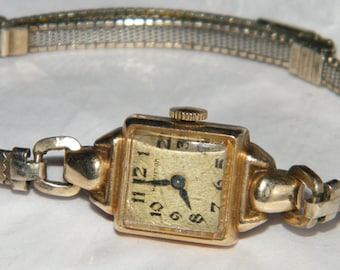 Ladies Hamilton USA 10K Gold Filled 17 Jewels Mechanical Deco Watch