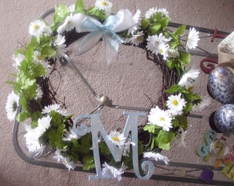 "White Daisy Flowers and Grapevine Spring Summer Wreath- 18-20 "" across"