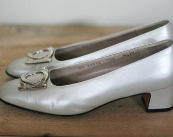 vintage ferragamo women's shoes pearl size 7.5B