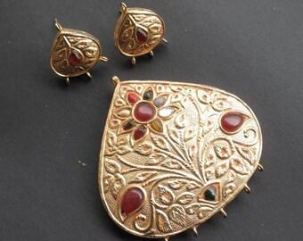 Beautiful meenakari pendant with navratan and matching earrings set in teardrop shape