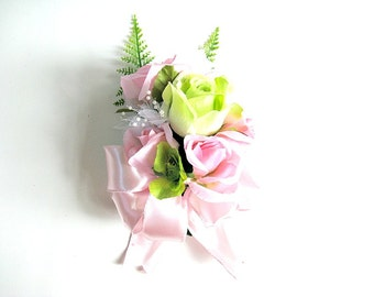 Special occasion pink and green corsage/ Mother's Day corsage/ Feminine gift bow/ Corsage for women (GN104)