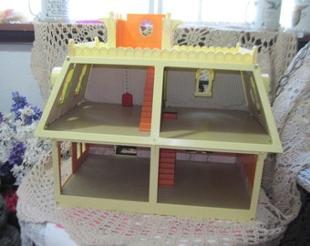 Doll House,1980 Mattel Littles Doll House.1980,Small Dolls House, Dolls,Mattel Doll House,Toys,Vintage Toys,