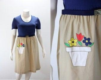 XL Vintage Dress - Flower Pot on Skirt