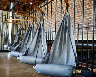 Special Patent Hanging Chair Hammock Chair Swing for Indoor / Outdoor / Patio / Lounge / Porch Fresh Color Grey (Hang Solo Model)