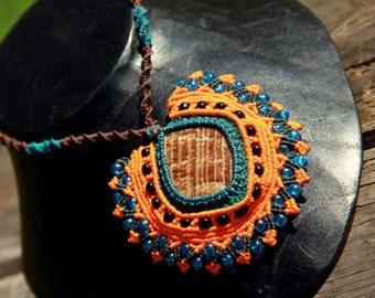 Colourfull aragonite necklace with glass beads