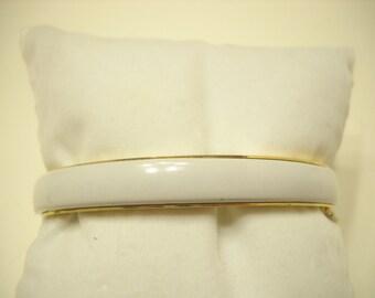 Vintage White Enamel Hinged Bangle Bracelet (8517) Safety Chain