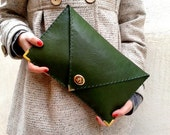 Green leather clutch / Handmade bag from green Italian cow leather / Leather bag / Envelope clutch