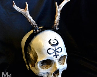 Animal-friendly Antlers Natural stain headpiece by Mortiis.M Vegan