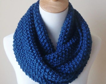 Merino Wool Infinity Scarf - Blue Wool Scarf - Chunky Scarf - Circle Scarf - Ready to Ship