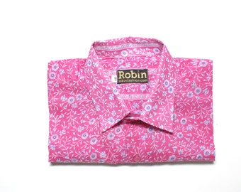 Mens shirt floral and print on pink base separate detailing inside collar Short sleeves. VERY light weight  100% cotton