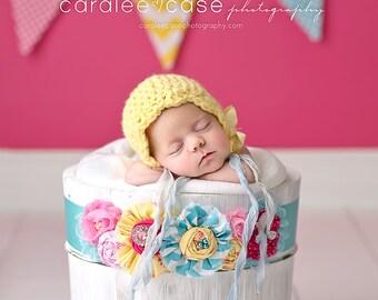 Newborn Photo Prop//Newborn Hat//Crochet Hat//Newborn Girl Hat//Crocheted Bonnet//Newborn Props//Baby Bonnet//Baby Shower Gift//Hand Made