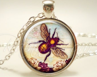 Queen Bee Necklace, Honey Bee Jewelry, Honeybee Charm (1956S1IN)