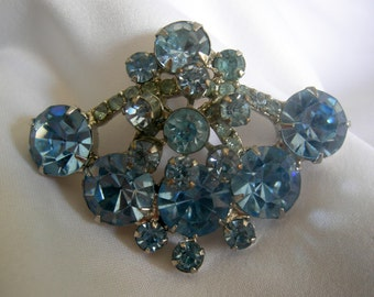 Powder Blue Prong Set Rhinestone Brooch | Vintage