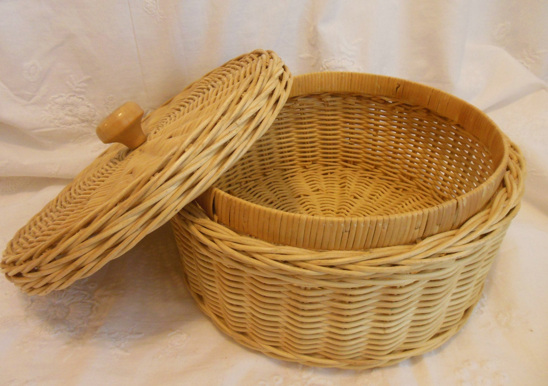 round basket with lid sewing basket round wicker basket. Black Bedroom Furniture Sets. Home Design Ideas