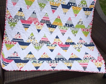 20% off Sale! Color theory zig zag quilt