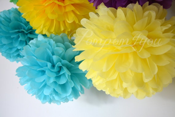 60 Tissue paper POM POMS // Wedding Decor // Party Decor // Paper Pom Poms // Choose your Colors