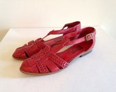 Red 1980s Summer Sandals Huraches Southwestern Boho Festival Shoes Ladies size 8