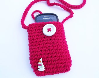Pink crochet cell phone cozy with straps - Cell phone holder with a sail boat decoration - Gifts under 15- mobile Accessories ,