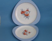 Spode tricorn plate set (2). Fascination pattern S3033 red floral with lavender blue border. 1950s Copeland Made in England