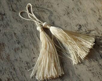CREAM silky tassels - 2 pcs., tassels for malas, jewelry, accessories, home decor, wedding tassels, cream tassels, craft supplies - 2 pcs.
