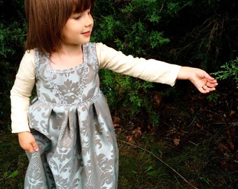 Girls Princess Historical Renaissance Gown sizes 2T to 6 Girls Renaissance costume LARP costume