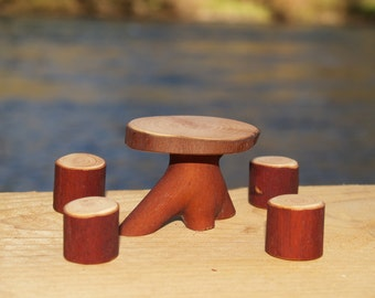 Tiny Table with 4 stumps