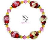 Floral Bracelet, Flower Bracelet, Red Bracelet, Red and Pink, Pink Bracelet, Glass Bead Bracelet, Elastic Bracelet, Gift For Her, Pretty