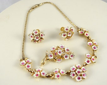Vintage Gold-plated White Enamel Floral Necklace Demi-parure with Pink Rhinestones c. 1960