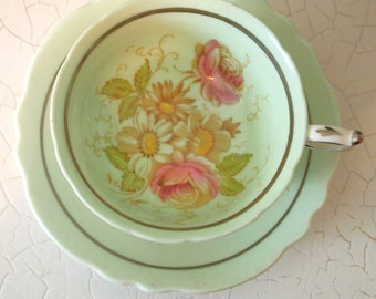 Vintage Teacup Paragon Fine China Wide Teacup and Saucer Light Green with Pink Roses Daisies - England  By Appointment to HM Queen Mary