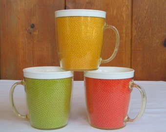 Mid century Insulated Trio Burlap Colored Mugs Vintage Camping-Picnic-Pool side-Travel Mad Men Drink Ware in very good vintage condition.